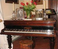 پیانو یک ساز است نه میز یا وسیله تزئینی